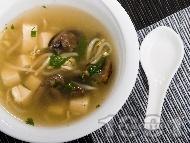Тайландска супа с тофу и соеви кълнове